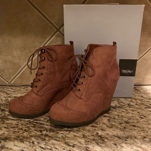 Mossimo suede platform lace-up ankle booties
